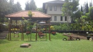 Villa Private Pool di Kampung Daun Lembang